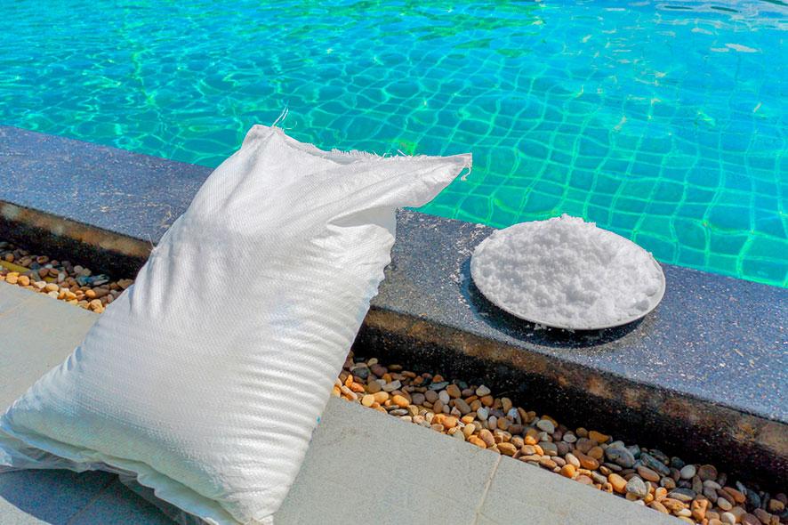 Les avantages de l'électrolyse au sel pour piscines